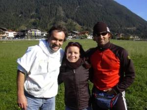 Mit Chris und Gleitschirmweltmeisterflieger Mike